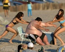 Fat_Guy_Having_Trouble_At_The_Beach_2.jpg